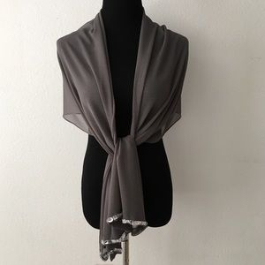 Accessories - 🆕🎁 Gray Sheer Scarf / Shawl